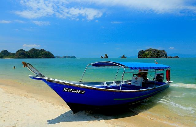 beach-694869_640