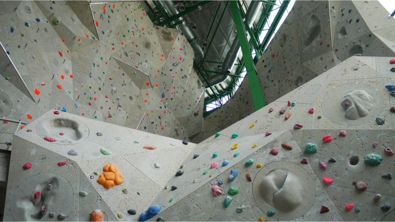 indoor-rock-climbing-1-utama[1]