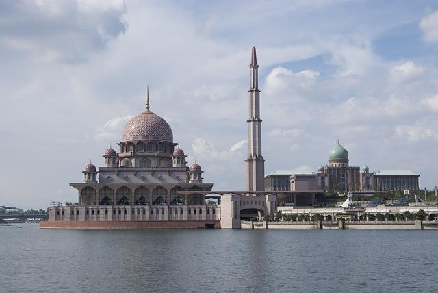 mosque-470792_640
